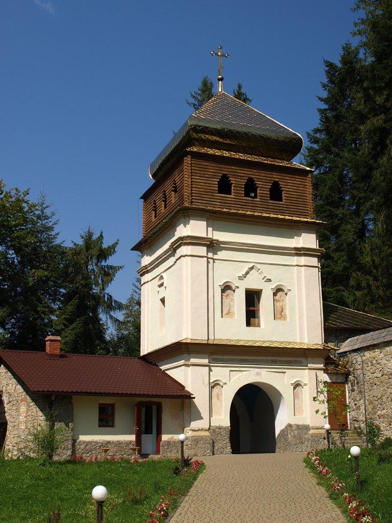 Манявський-монастир09