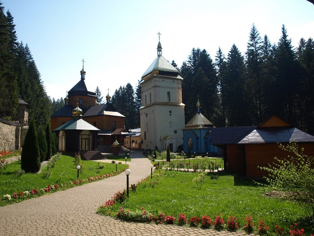 Манявський-монастир10