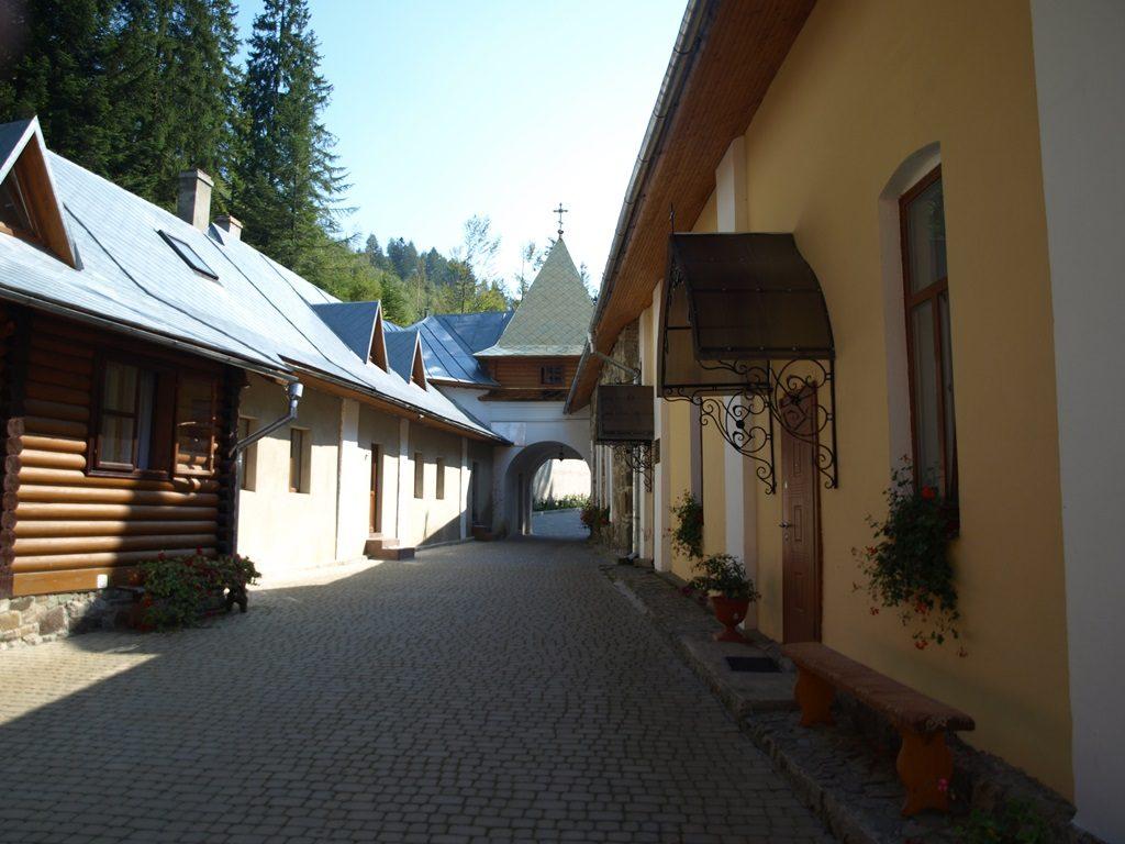 Манявський-монастир11